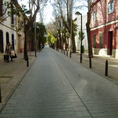 Se alquila vivienda amueblada en zona céntrica, calle peatonal